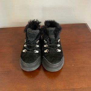 Little boys UGG winter boots size US 10